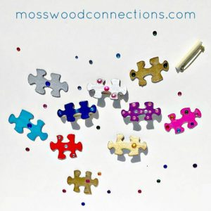 Puzzle Pin Art Project  DIY Mother's Day Gift  #mosswoodconnections #crafts #parenting  #mothersday #DIY #homemadegift