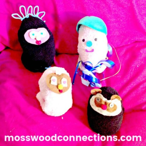Bedtime Buddy; DIY Sensory Stuffed Friends #mosswoodconnections #bedtime #finemotor #parenting #sensory