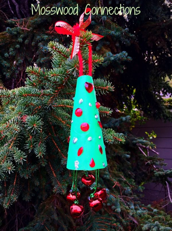 Jingle Bell Christmas Tree Ornament #mosswoodconnections #Christmas #crafts #kid-madeornaments #holidays